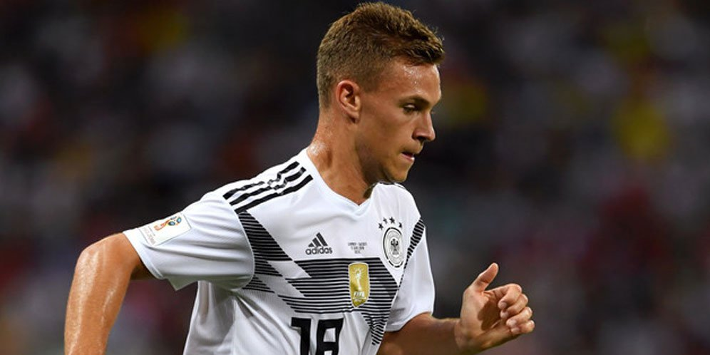 Xavi Gave Compliment To Joshua Kimmich